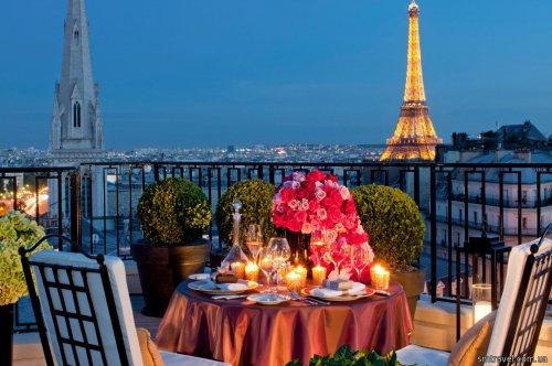 L'amour en trois: ти, я і Париж від 155 Є